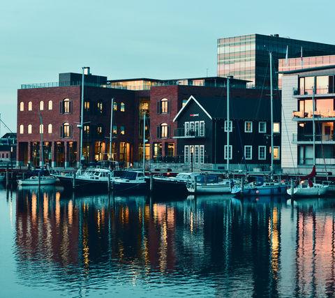 E-handelshuset Hesehus holder til på havnen i Odense