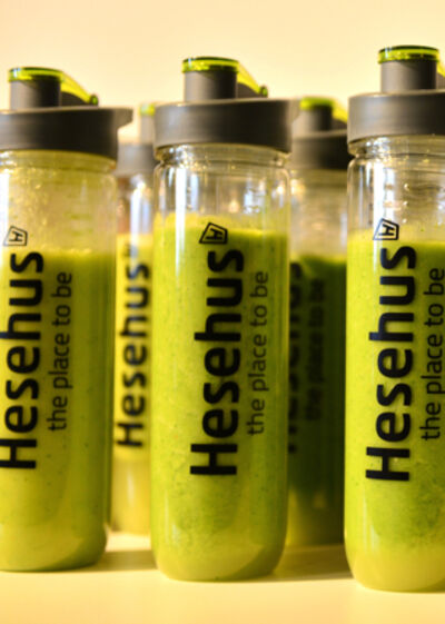 Hesehus spoil the hesehusians with smoothies