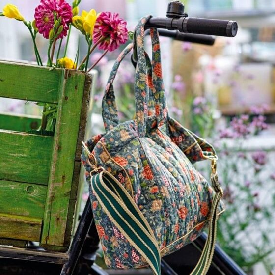 Stof & Stil's DIY bag in floral print